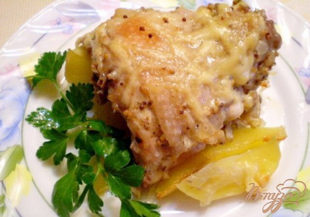 фото рецепта: Куриные спинки с картофелем