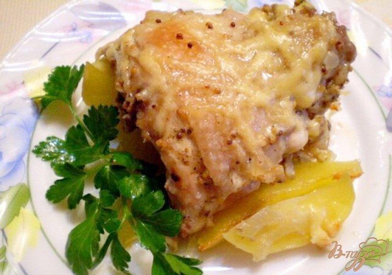 Фото приготовление рецепта: Куриные спинки с картофелем шаг №7