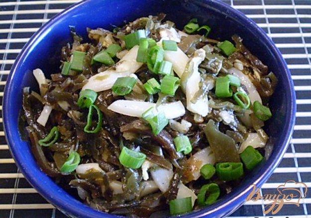 Рецепт Морская капуста с копченными мидиями и кальмаром
