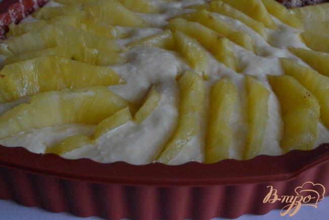 Фото приготовление рецепта: Кокосово-сметанный бисквит с ананасом шаг №5