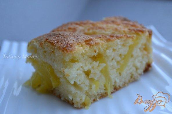 Фото приготовление рецепта: Кокосово-сметанный бисквит с ананасом шаг №9