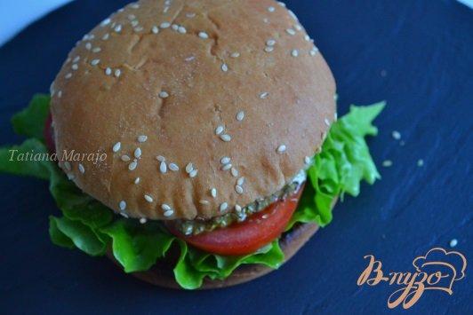 Рецепт Бургер с томатом и моцареллой