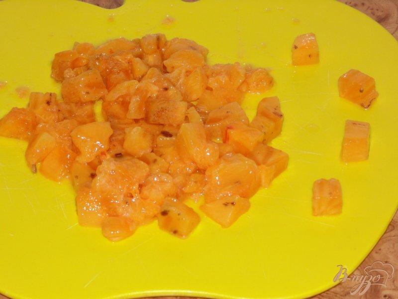 Фото приготовление рецепта: Мандариновый смузи с хурмой шаг №1