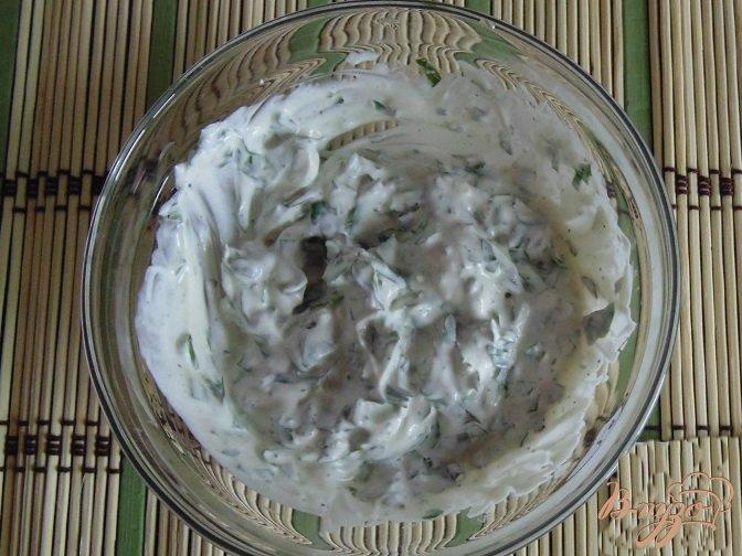 Фото приготовление рецепта: Яйца с креветками шаг №3