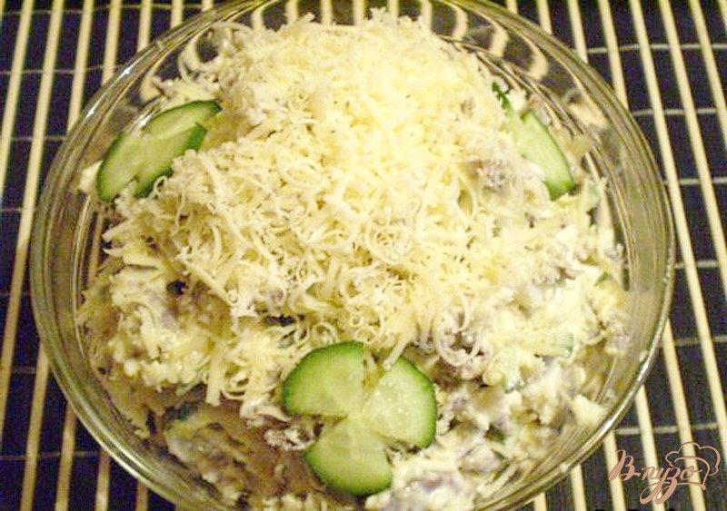 Фото приготовление рецепта: Салат из куриных желудков шаг №4