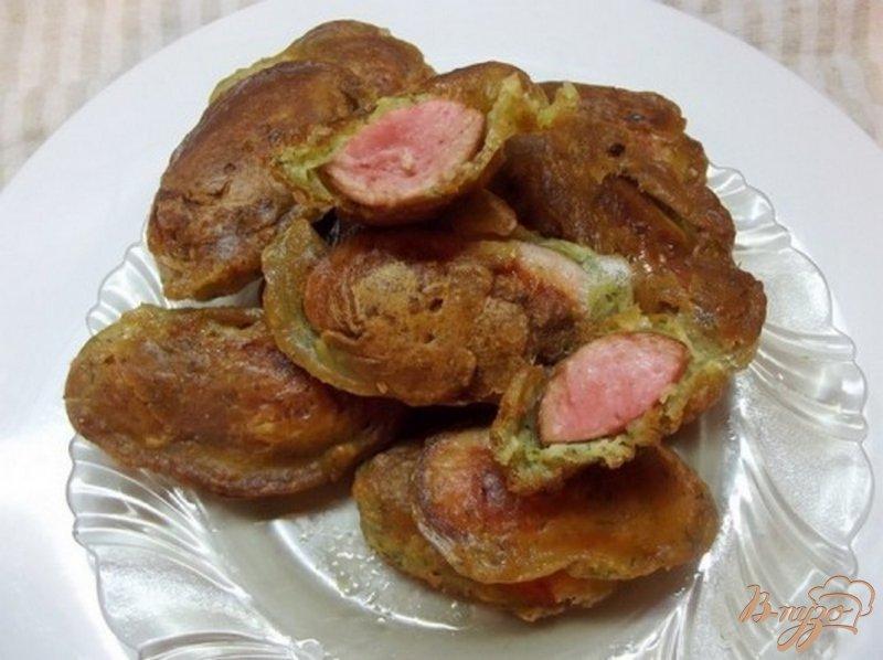 Фото приготовление рецепта: Сосиски в чесночном кляре шаг №11