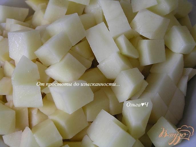 Фото приготовление рецепта: Суп с белым амуром и зеленым горошком шаг №3