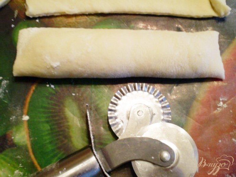 Фото приготовление рецепта: Сосиски в тесте шаг №5