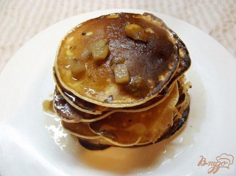 Фото приготовление рецепта: Пышные оладушки с грушей шаг №5