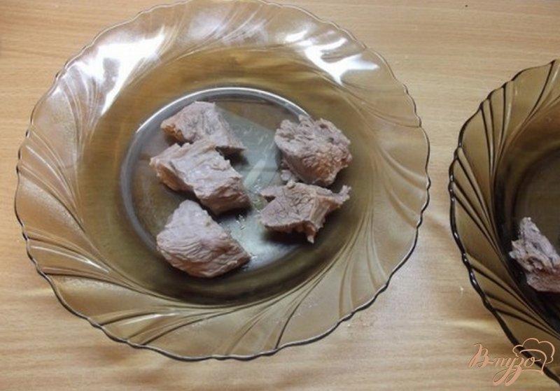 Фото приготовление рецепта: Мясо с горячим овощным бульоном шаг №5