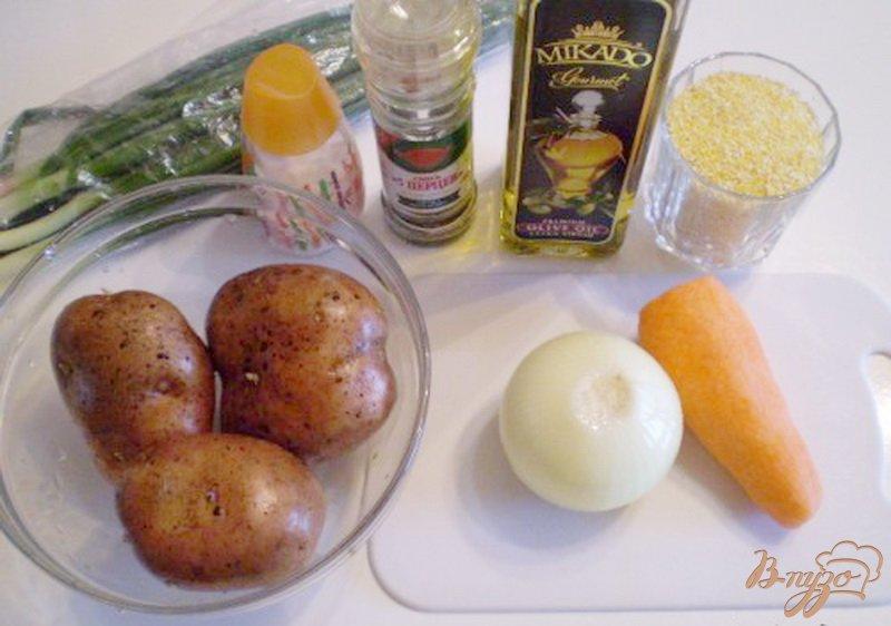 Фото приготовление рецепта: Суп картофельный с кукурузной крупой шаг №1