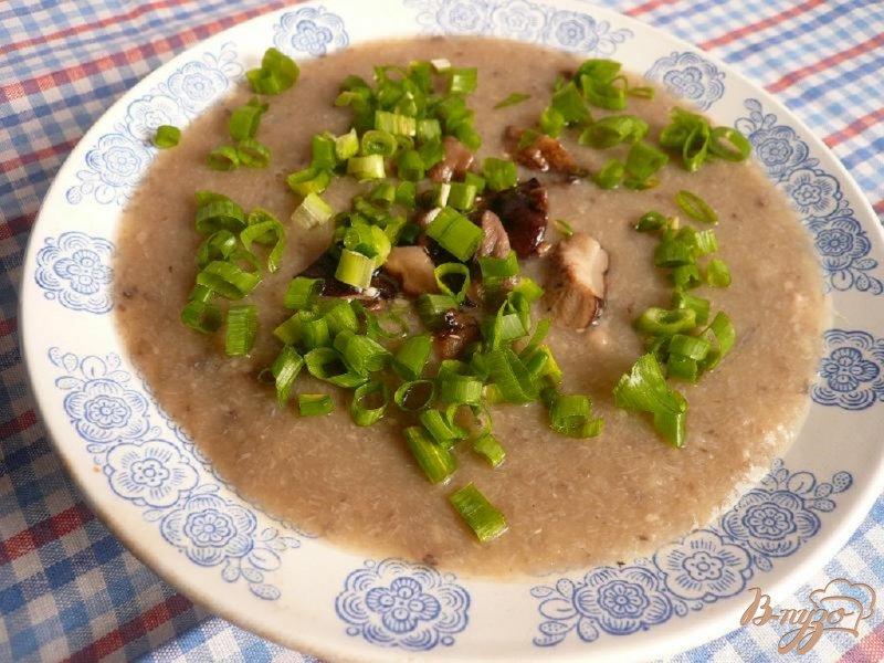 Фото приготовление рецепта: Суп-пюре из грибов и картофеля шаг №7