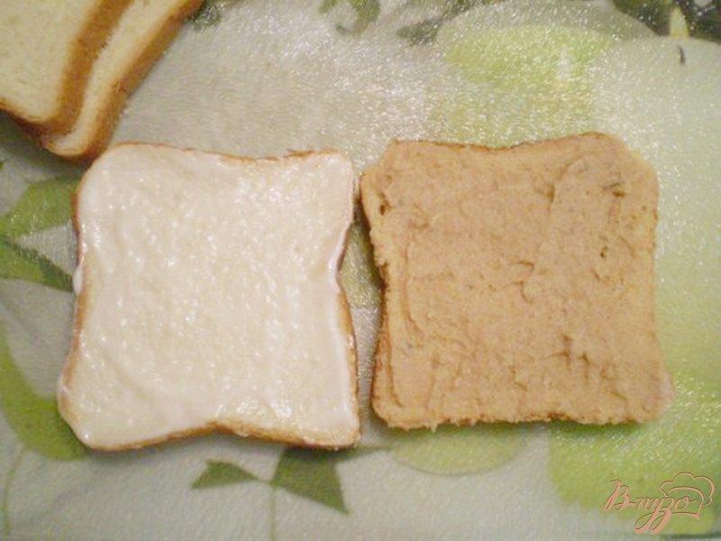 Фото приготовление рецепта: Сэндвич с мясным паштетом шаг №2