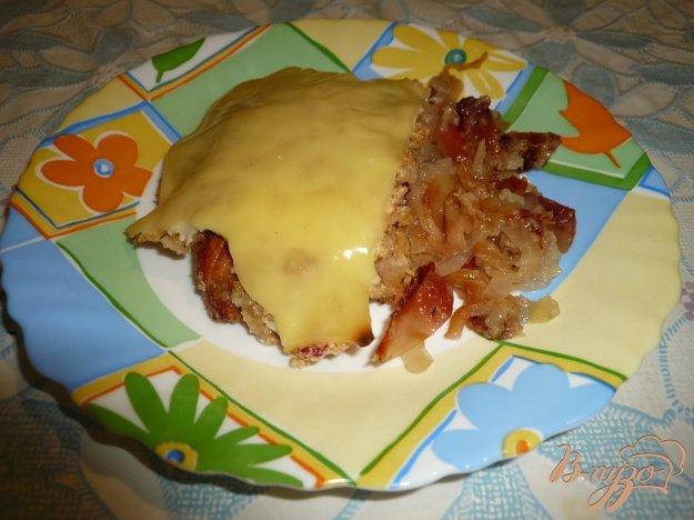фото рецепта: Свинина запеченная с яблоками и сыром