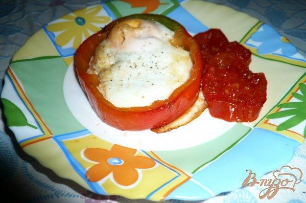 фото рецепта: Глазунья в болгарском перце