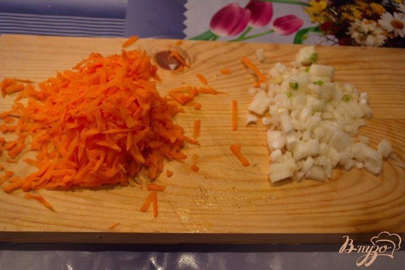 Фото приготовление рецепта: Крупяной суп с копченой курицей шаг №2