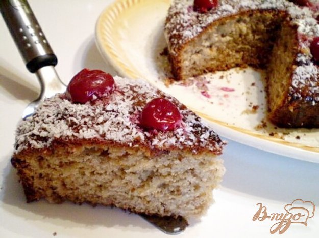 фото рецепта: Черный кекс с вишневым вареньем