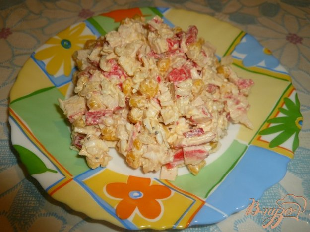 Рецепт Салат с крабовым мясом и болгарским перцем