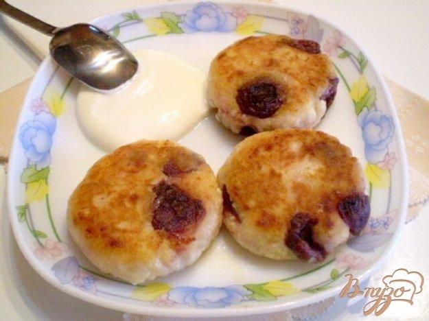 Рецепт Сырники с консервированной фруктой