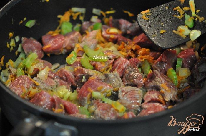Фото приготовление рецепта: Мясное рагу с тыквой спагетти шаг №3