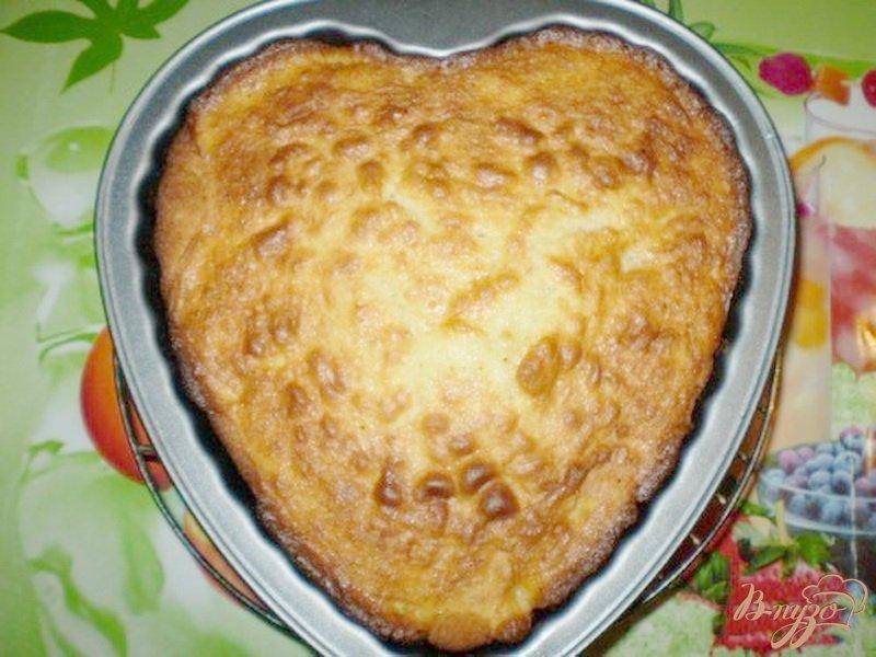 Фото приготовление рецепта: Яблочный пирог на сливках шаг №6