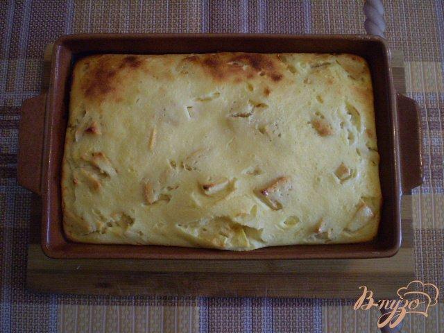 Фото приготовление рецепта: Яблочно-творожная запеканка шаг №7
