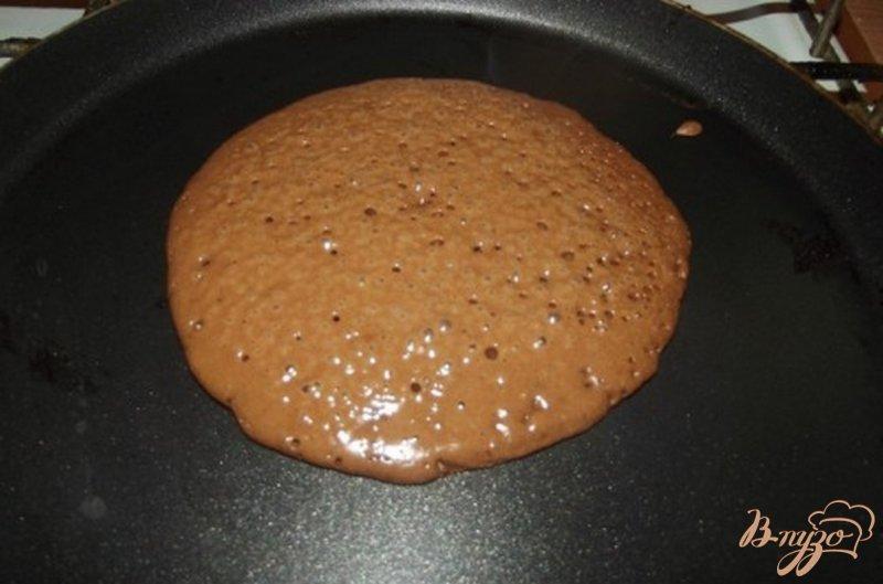 Фото приготовление рецепта: Шоколадные оладушки шаг №3