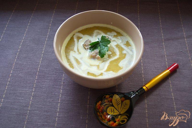 Фото приготовление рецепта: Суп-пюре с брокколи, брюссельской капустой и фрикадельками шаг №10