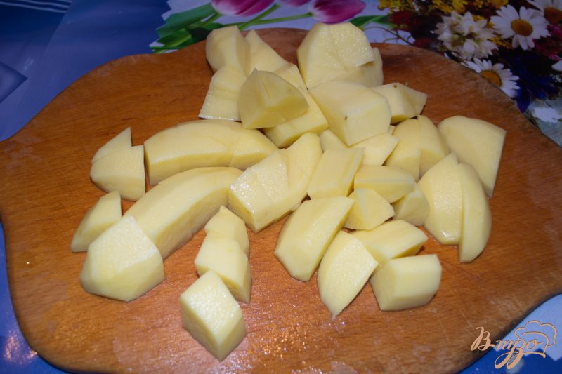 Фото приготовление рецепта: Суп-пюре с брокколи, брюссельской капустой и фрикадельками шаг №2