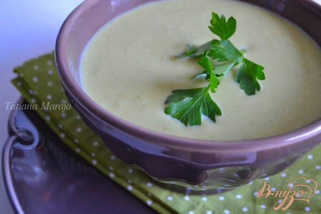 Фото приготовление рецепта: Крем-суп из брокколи с нутом шаг №4