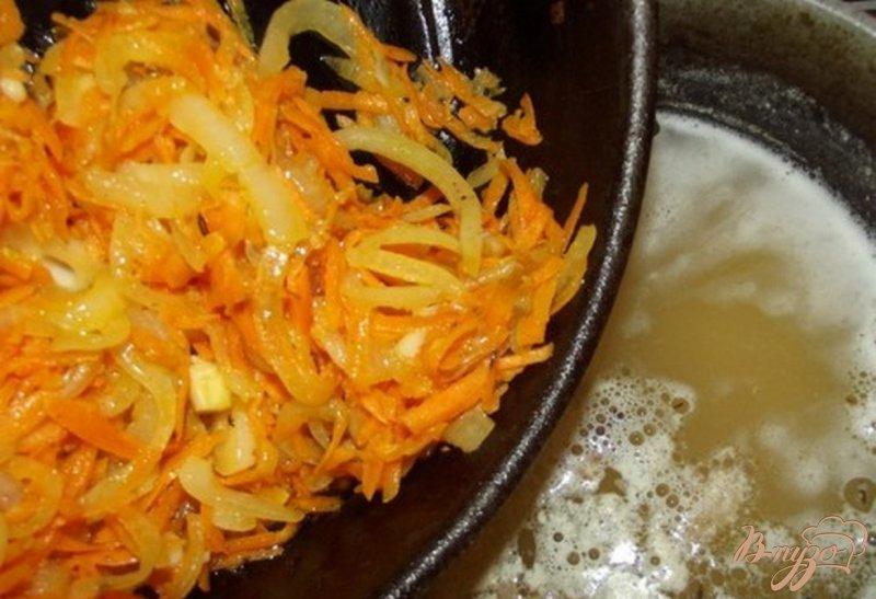 Фото приготовление рецепта: Гороховый крем-суп на сале шаг №4