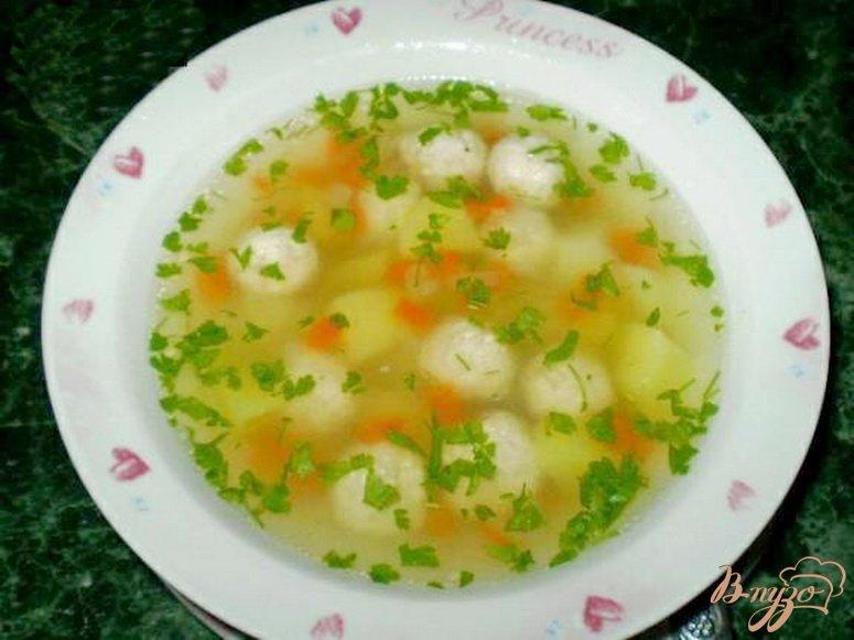 Фото приготовление рецепта: Диетический суп с фрикадельками шаг №4