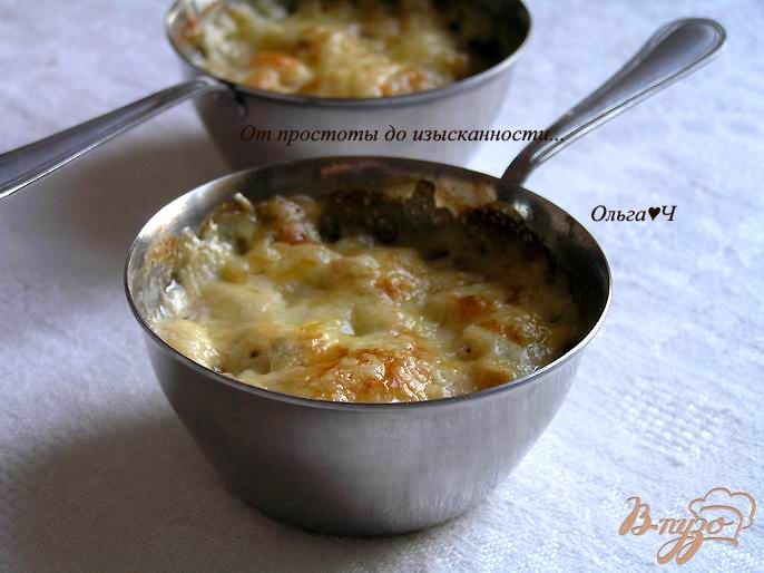 Фото приготовление рецепта: Жюльен с курицей и грибами шаг №7