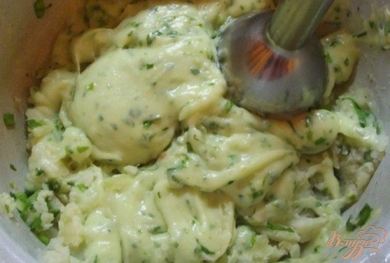 Фото приготовление рецепта: Картофельное пюре на мясном бульоне с зеленью шаг №2