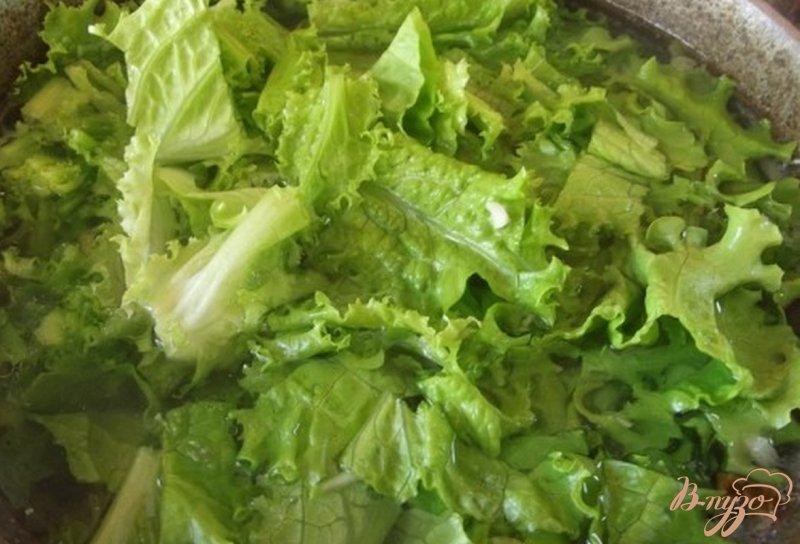 Фото приготовление рецепта: Зеленый суп из листьев салата шаг №6