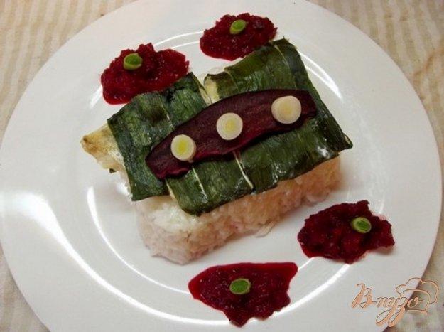 фото рецепта: Рыба запеченная в листьях чеснока