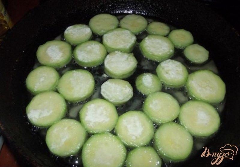 Фото приготовление рецепта: Кабачки праздничные шаг №3