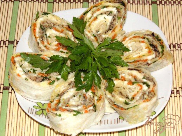Рецепт Рулет со шпротами и жареной морковью