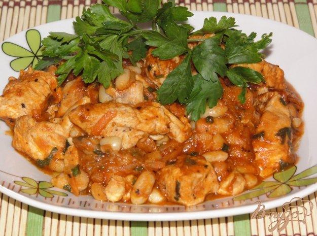 Рецепт Быстрая фасоль в томате с куриным мясом