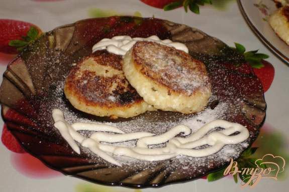 Рецепт Манные сырники с изюмом