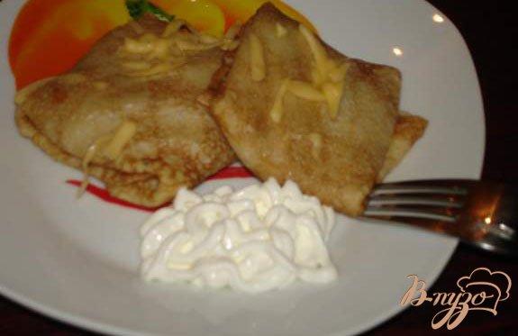 Фото приготовление рецепта: Блины с грибами и голубым сыром шаг №6