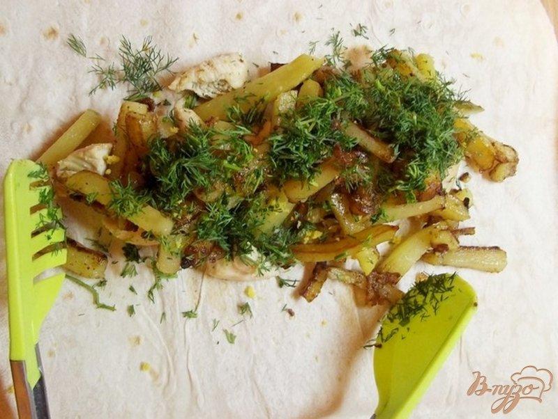 Фото приготовление рецепта: Шаурма с лимонным соусом шаг №6