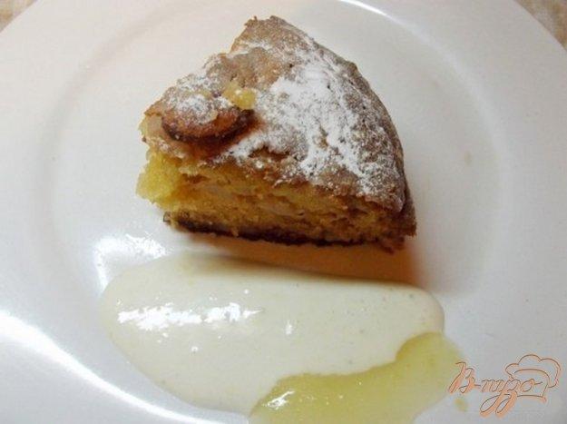 фото рецепта: Яблочный пирог с миндалем