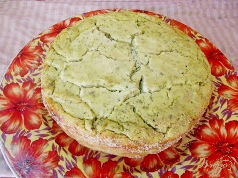 Фото приготовление рецепта: Закусочная творожная запеканка с зеленью шаг №7