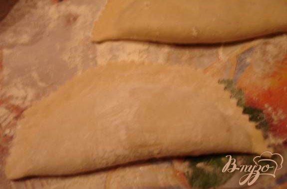 Фото приготовление рецепта: Самый настоящий чебурек (с водкой) шаг №7