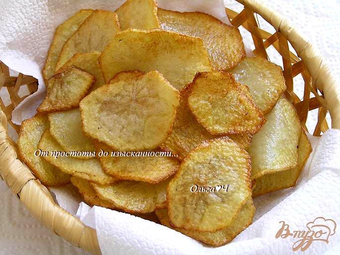 Фото приготовление рецепта: Картофельные чипсы шаг №4