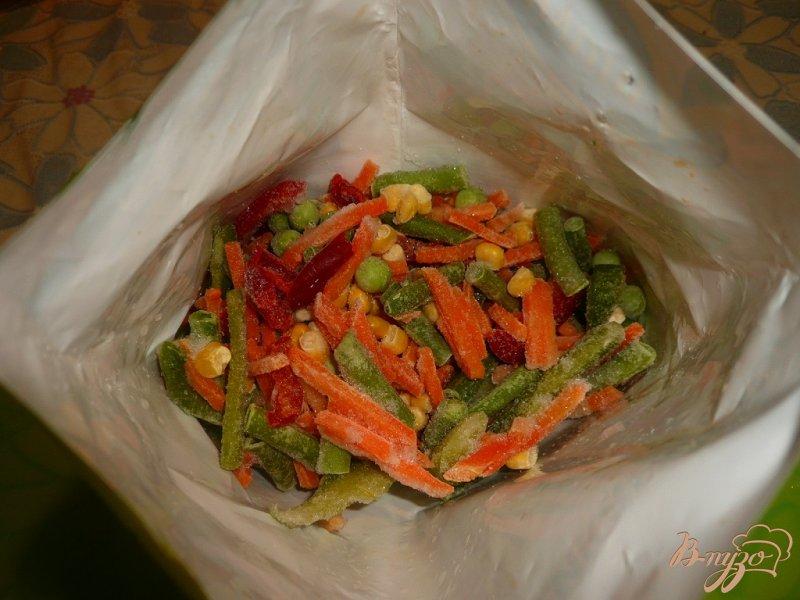 Фото приготовление рецепта: Теплый салат на скорую руку шаг №3