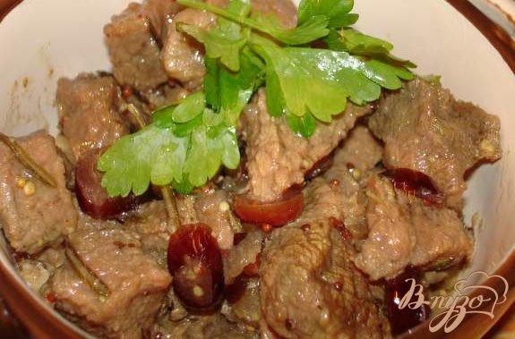 Рецепт Говядина по-бургундски с клюквой