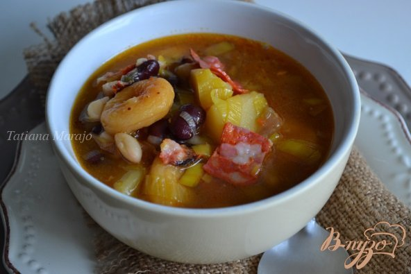 Фото приготовление рецепта: Густой суп с фасолью и абрикосами шаг №7