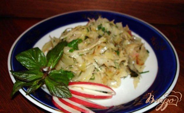 Рецепт Тушеная капуста с мятой и яблоком